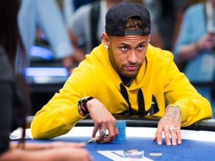 Neymar chơi poker